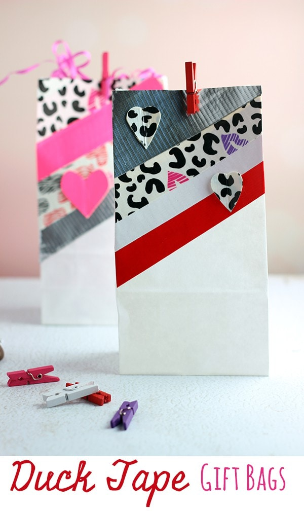 Duck-Tape-Gift-Bags