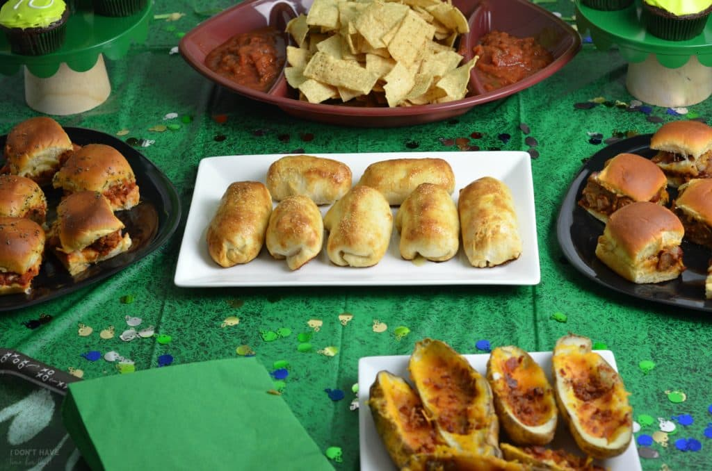 How To Host A Super Bowl Party For Under 60 I Don T Have Time For That