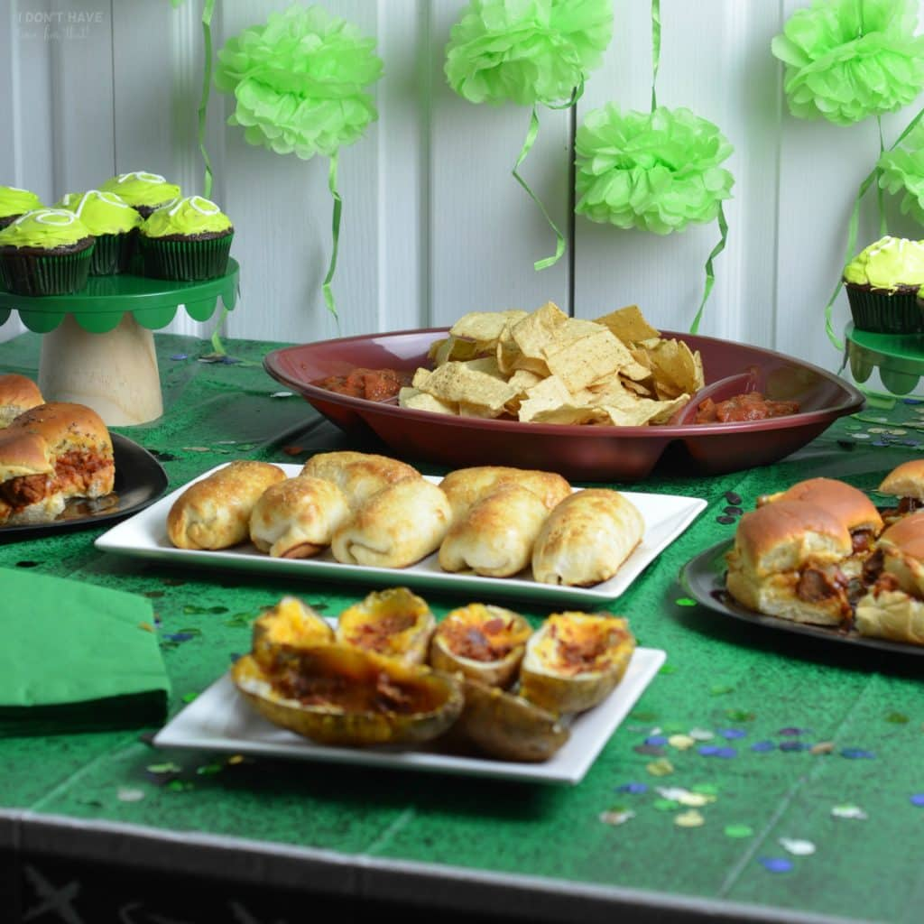 How To Host A Super Bowl Party For Under 60 I Don T Have Time